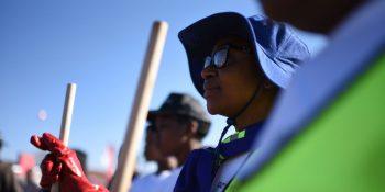 Qhubeka Mandela Day clean-up effort (LR)
